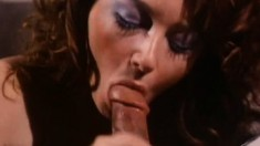 Sensual lady puts her body on display and her oral skills into action