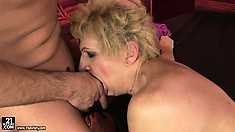 The mature cunt gets trampled by the throbbing and insatiable penis