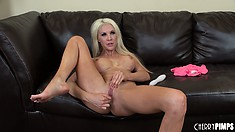 Busty blonde MILF Holly Price sits on the vibrating toy and fucks away